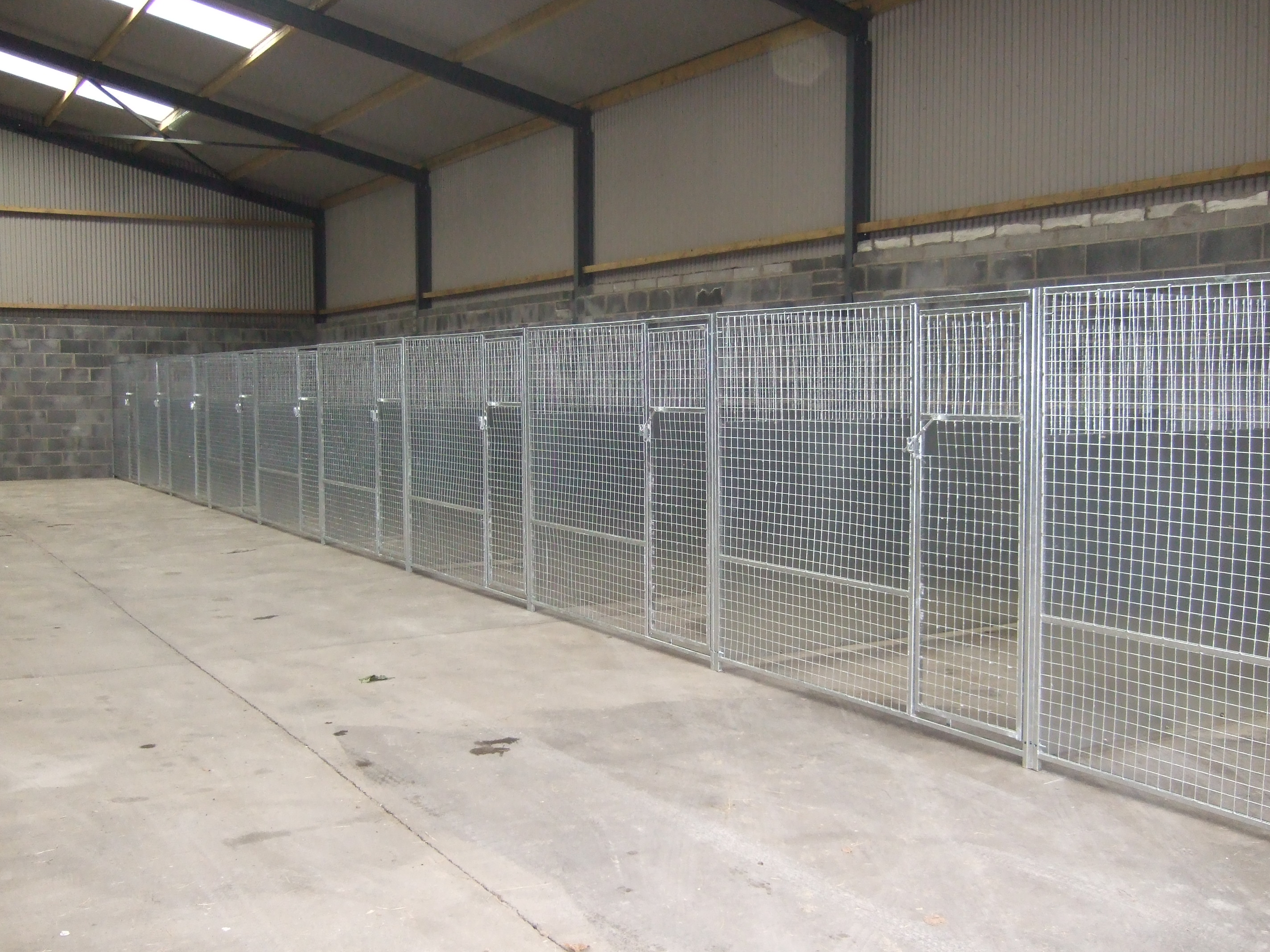 Dog Pens BOARDING KENNELS